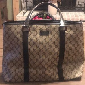 Large authentic Gucci Tote. Guc